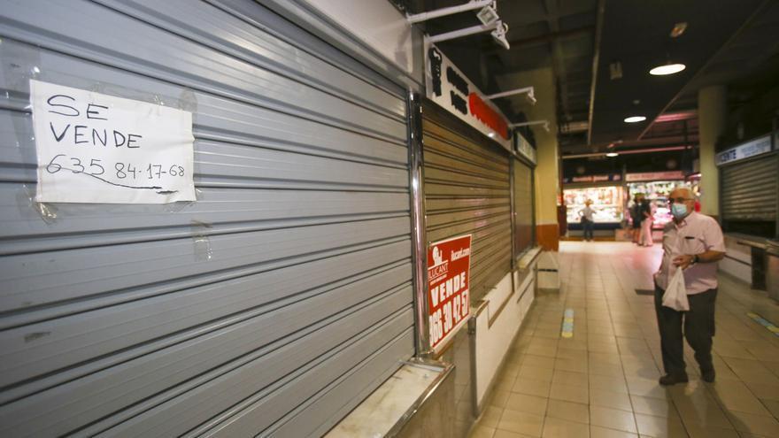 Los mercados de Alicante reclaman que se agilice la subasta de los puestos cerrados