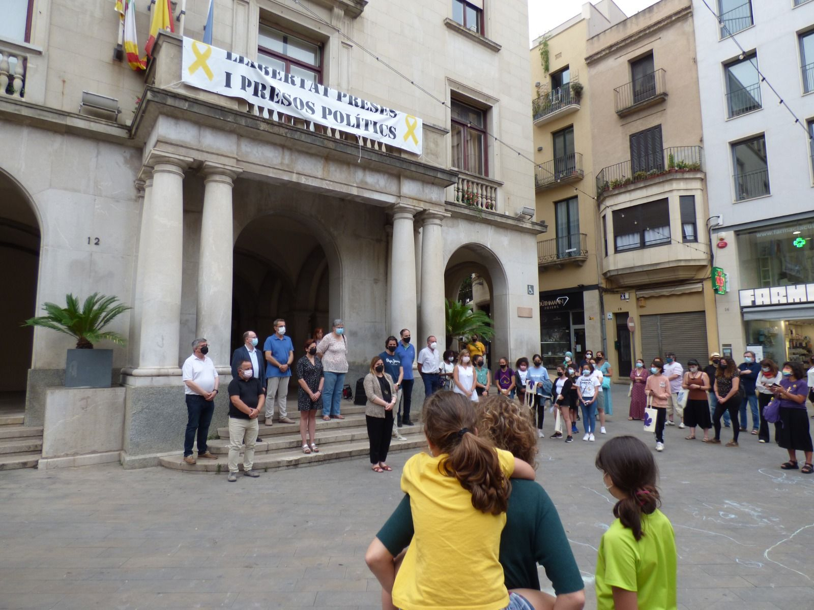 Minut de silencia a Figueres contra les violències masclistes