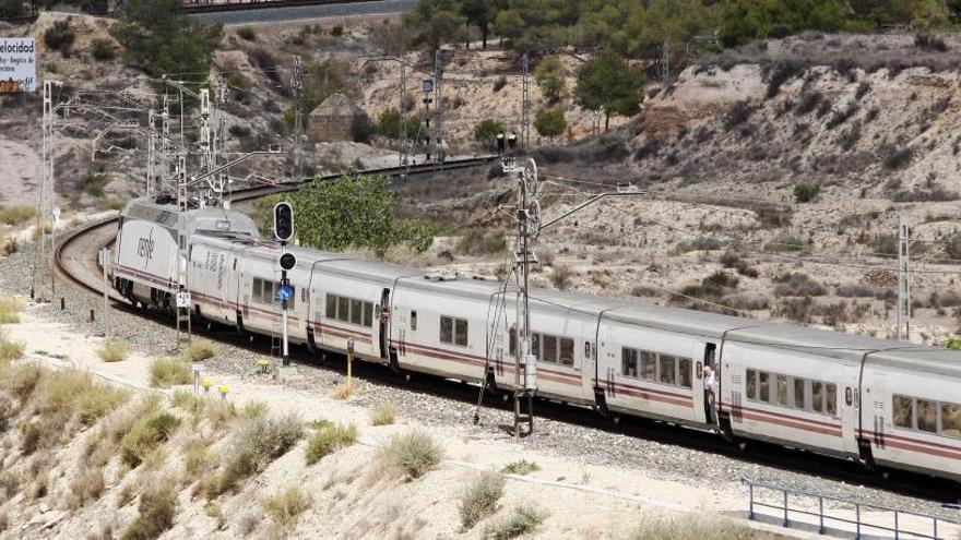 Los trenes de Cercanías comenzarán a circular en 25 días