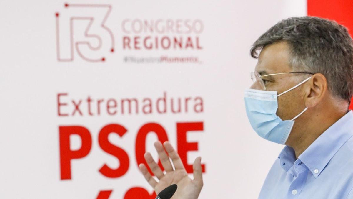 José Antonio González durante la rueda de prensa de hoy.