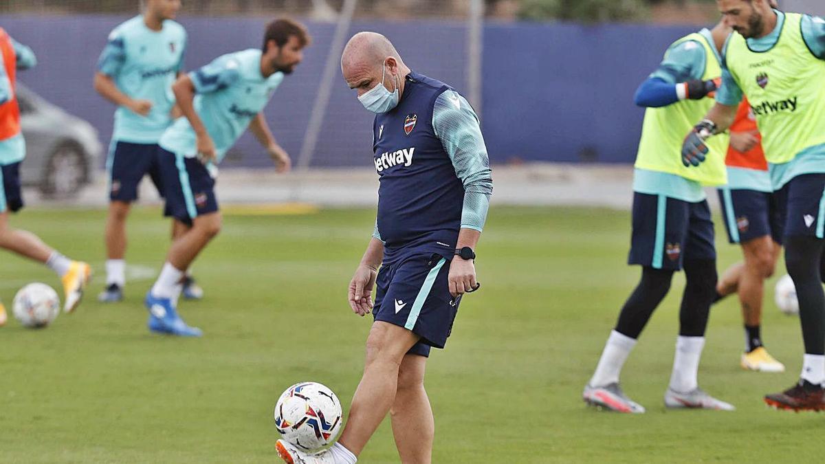López espera la guinda del pastel en el Levante UD