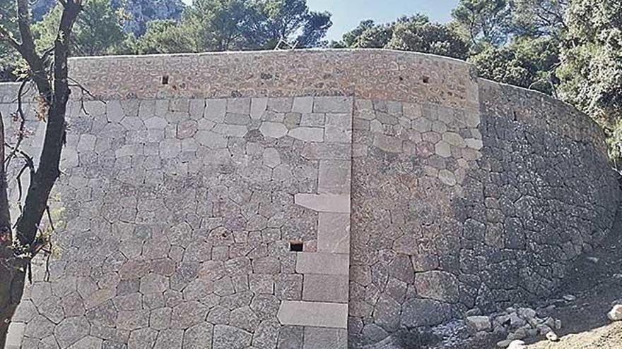 Finalizan las obras de reconstrucción del muro caído en la carretera de Lluc