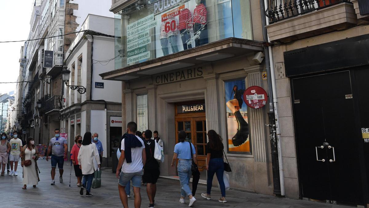 Cine París, en la calle Real