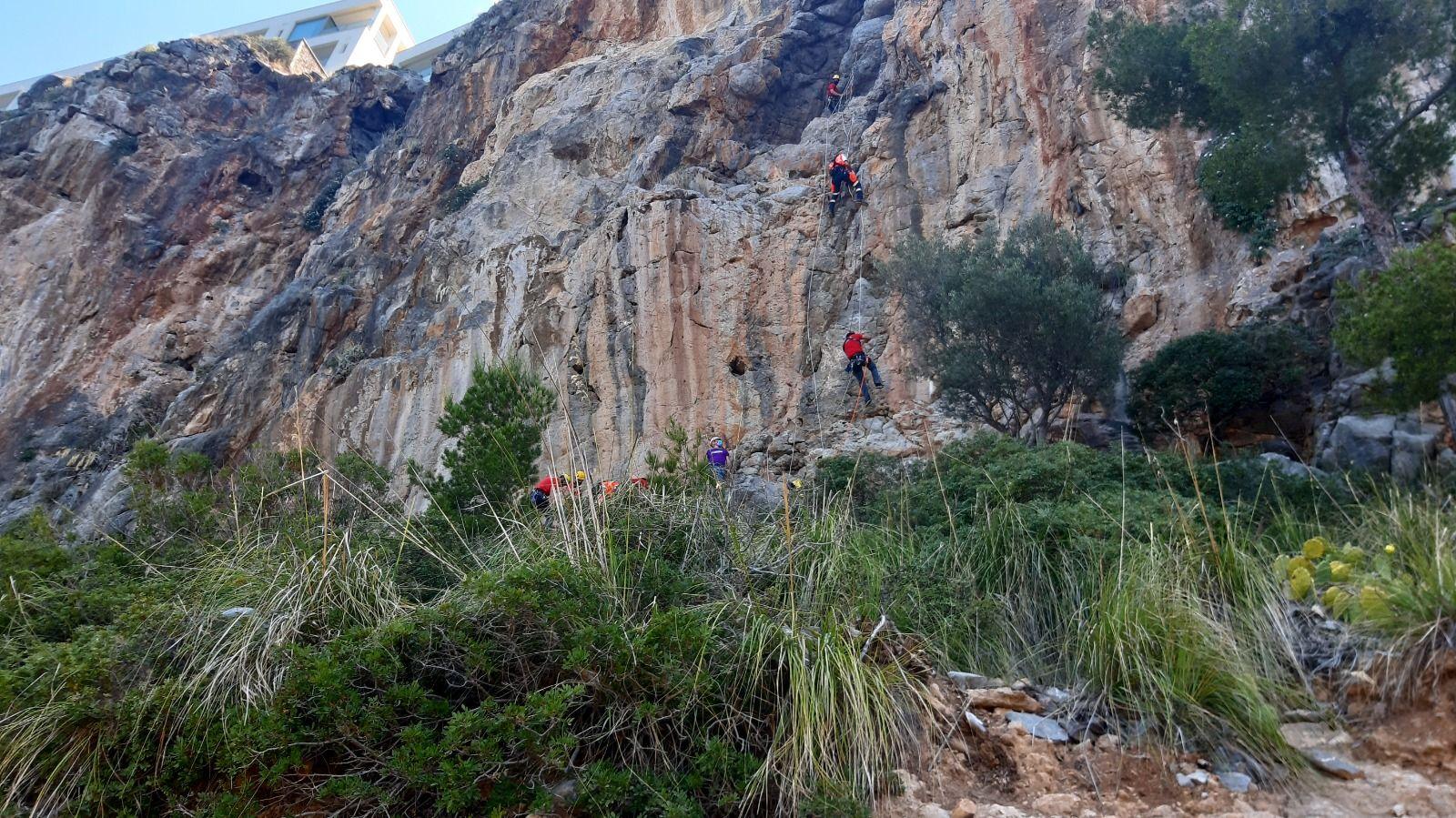 Simulacro de un rescate extremo  en la montaña