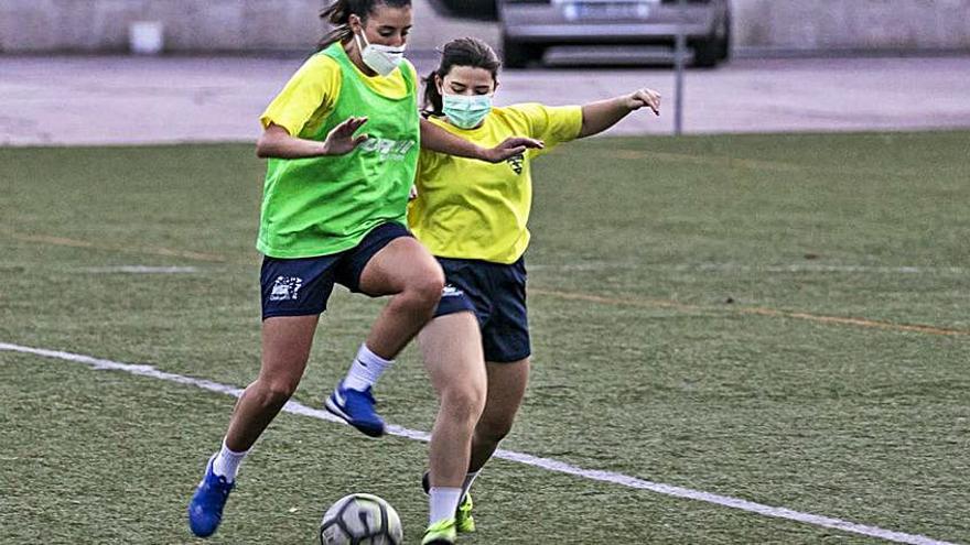 EL EFF Rosalía disputa su primer partido amistoso