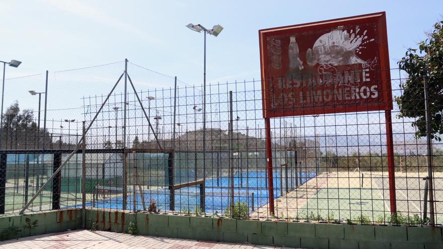 Urbanismo cierra cautelarmente un complejo deportivo del Puerto de la Torre