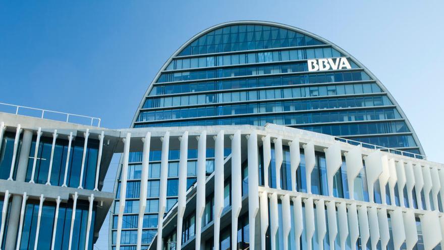 BBVA cobrará comisiones a particulares por los depósitos de más de 100.000 euros