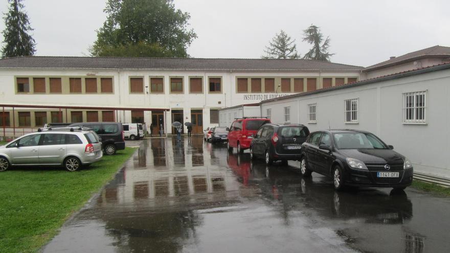Comenzaron las tareas para reubicar a los alumnos de los barracones del Instituto de Cangas de Onís