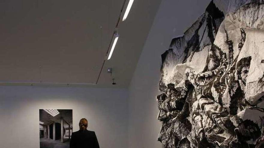 El Valey acoge una exposición de 19 obras de la colección Los Bragales