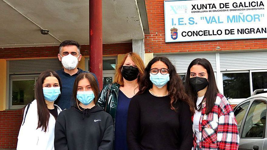 El IES Val Miñor lanza a cuatro alumnas a la investigación universitaria