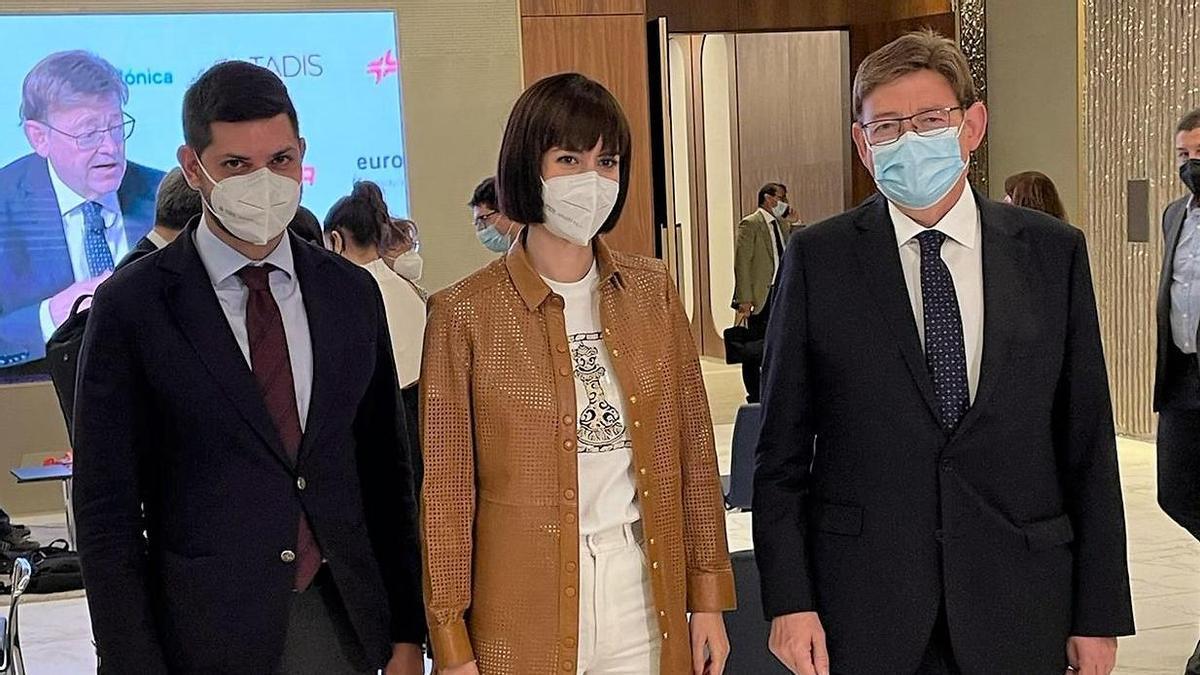 Prieto, Morant y Puig, durante su encuentro en Madrid