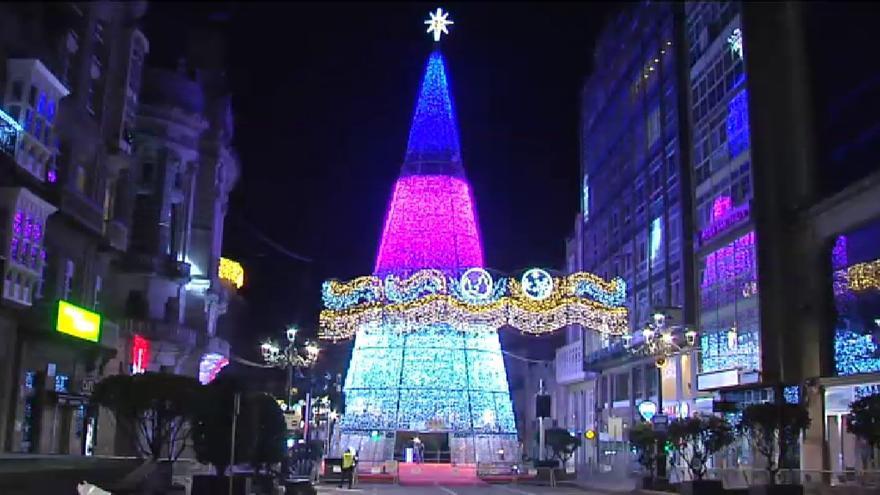 Vigo brilla más que nunca con el encendido de sus luces de Navidad