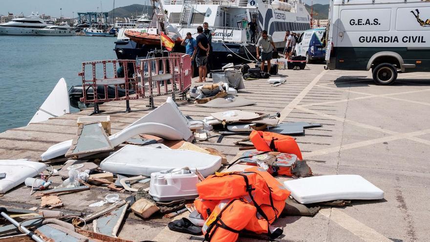 El barco que fue arrollado por un ferri en Ibiza iba sin luces y el patrón estaba ebrio
