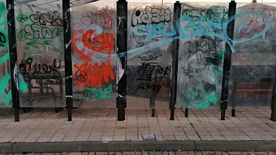 Los borrones, de nuevo en los Lirios en Benavente
