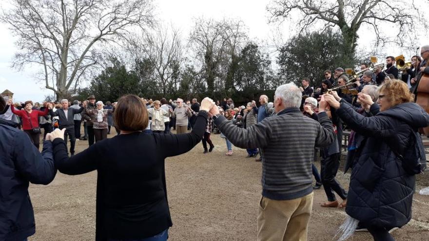 L'Aplec de Sant Pau de la Calçada exhaureix les 350 flaones del 75è aniversari