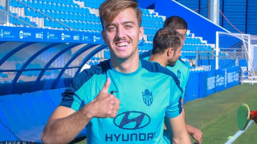 """Josep Jaume: """"Espero poder debutar pronto y dar muchas alegrías al Baleares"""""""