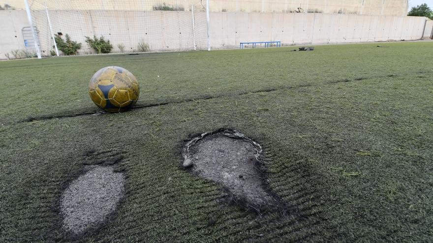 Telde rehabilitará dos campos de fútbol y las canchas del Narea