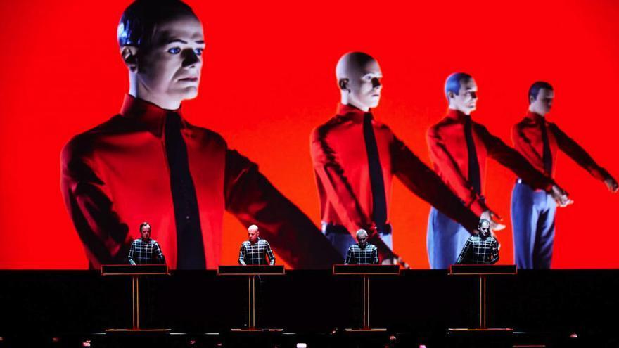 El mítico grupo alemán Kraftwerk actúa este sábado en Viana do Castelo