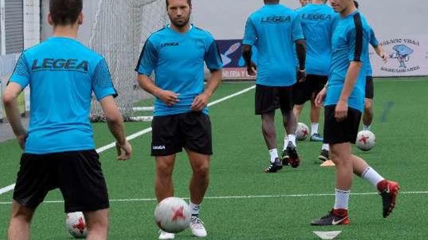 Lora jugará en el Omonia Nicosia de Chipre junto a Isma López