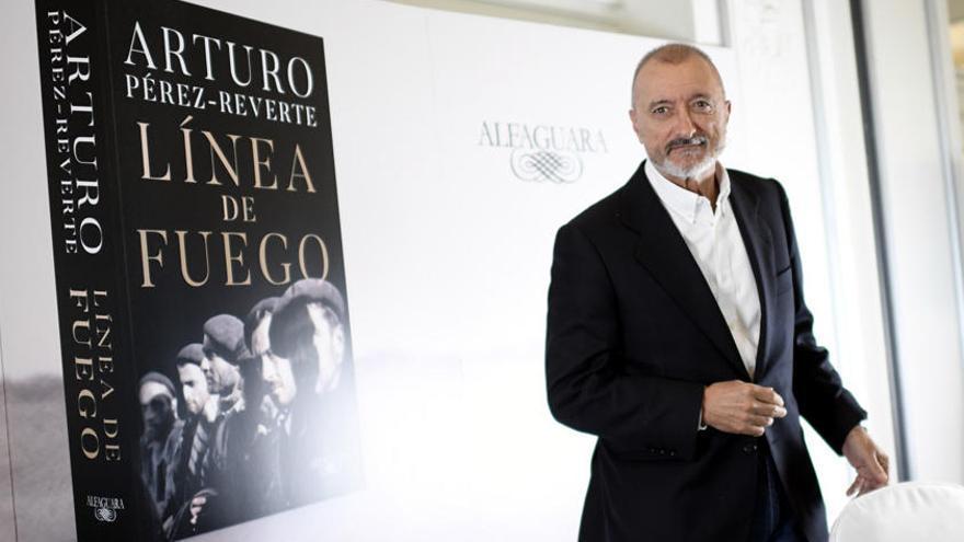 Arturo Pérez-Reverte: Dos bandos y una misma historia