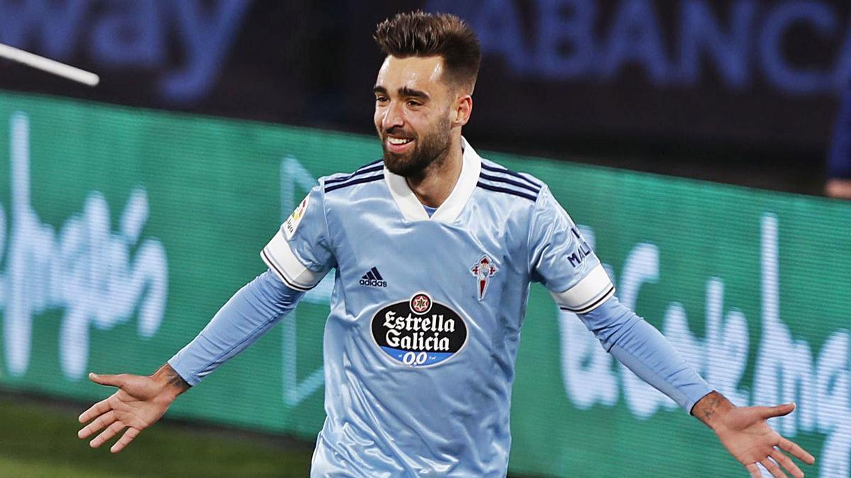 Brais Méndez celebra el gol  anotado al Eibar.     // RICARDO  GROBAS