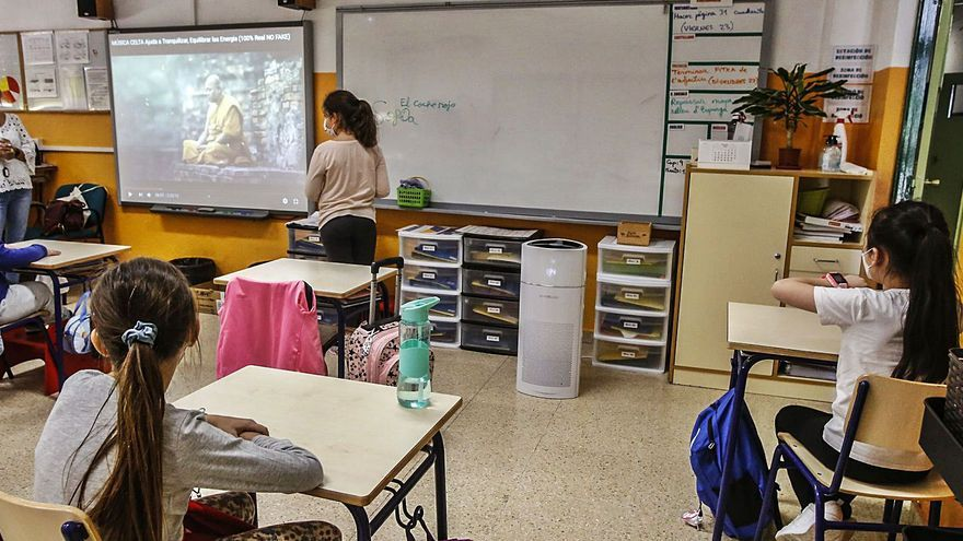 Educación contrata a 500 profesores nativos más para impartir inglés en los colegios