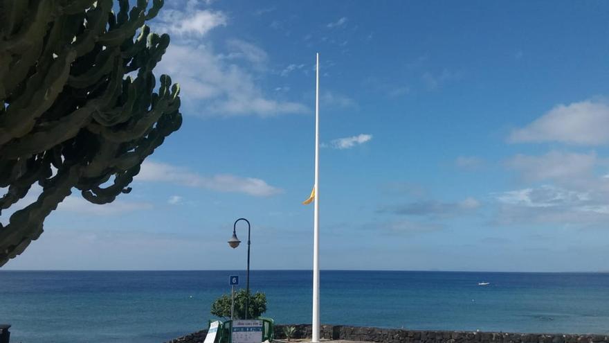 El PP se pregunta dónde están las cuatro banderas azules de las playas de Puerto del Carmen