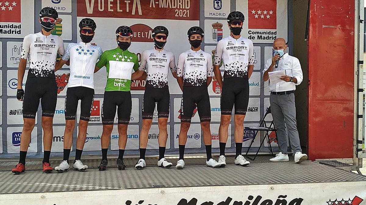 La formación del equipo moañés que compitió en la Vuelta a Madrid.    // GSPORT-GRUPO INNOVA TORMO