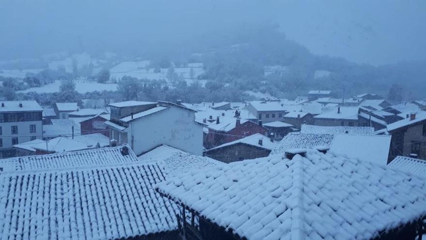 Asturias, de blanco en octubre por el temporal de nieve