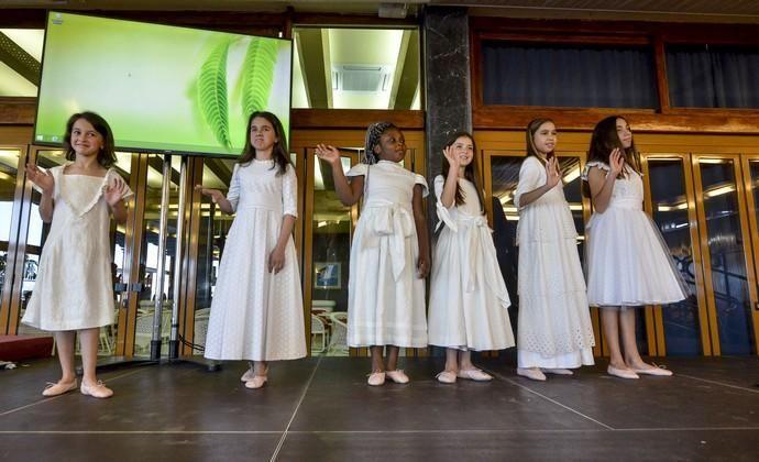 12/04/2018 LAS PALMAS DE GRAN CANARIA. Cuatro diseñadores del programa de Moda Cálida prestaron sus creaciones para el desfile y merienda solidaria que realiza la Fundación Alejandro Da Silva en el Club Náutico de Las Palmas.FOTO: J. PÉREZ CURBELO