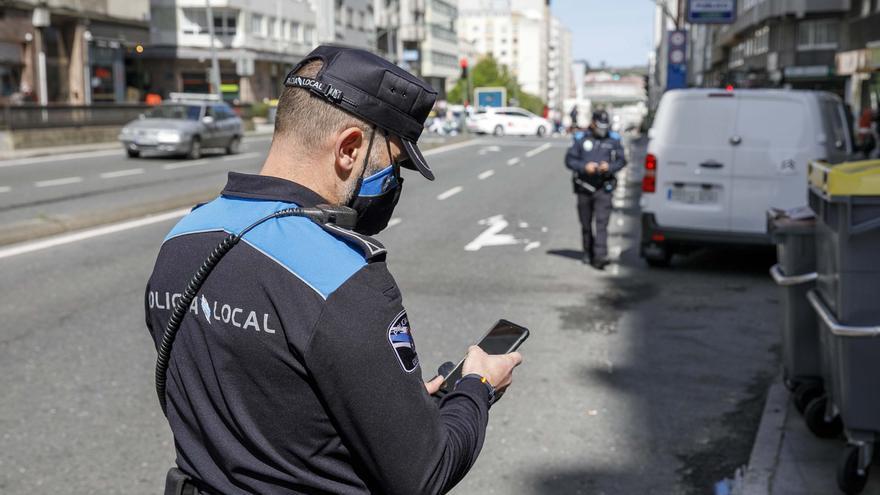 La policía refuerza el control de los estacionamientos indebidos