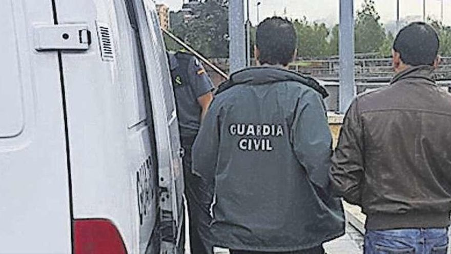 Detenido en Pontevedra un pirómano que ya estuvo imputado por otros 180 incendios