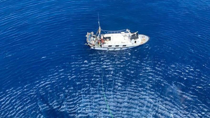 Rescatan un buque pesquero con cuatro tripulantes por una vía de agua cerca de Capdepera
