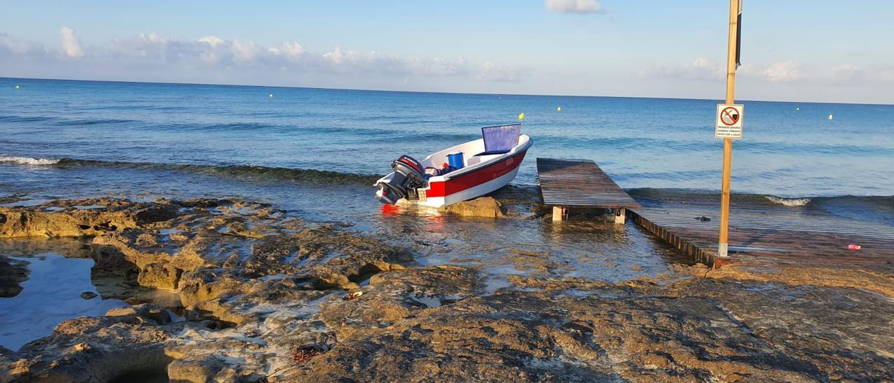 Patera llegada a la playa de es Copinar el 30 de junio.