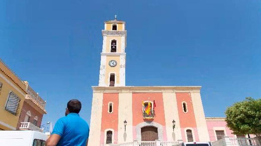 """Vecinos de San Antón muestran """"sorpresa e incredulidad"""" ante la investigación del cura del barrio por abusos sexuales a una menor"""
