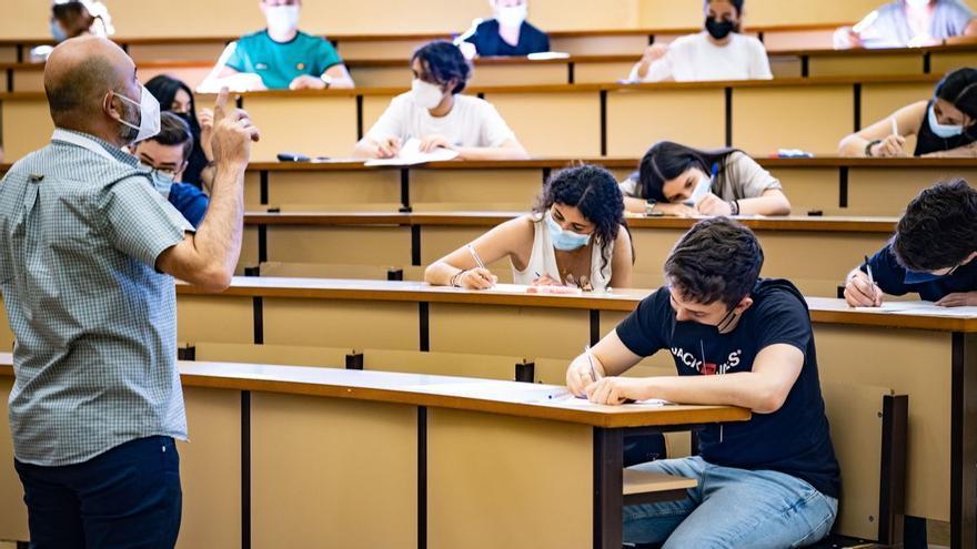 5.700 estudiantes extremeños realizan las pruebas de acceso a la universidad