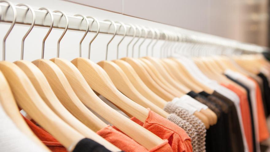 Investigado por cambiar las etiquetas en una tienda para pagar menos