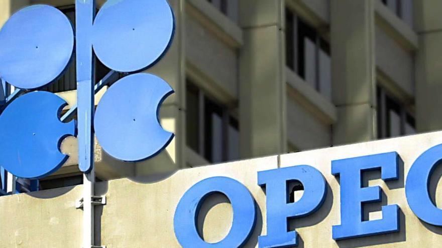 Aplazada la reunión de OPEP+ hasta el 9 de abril