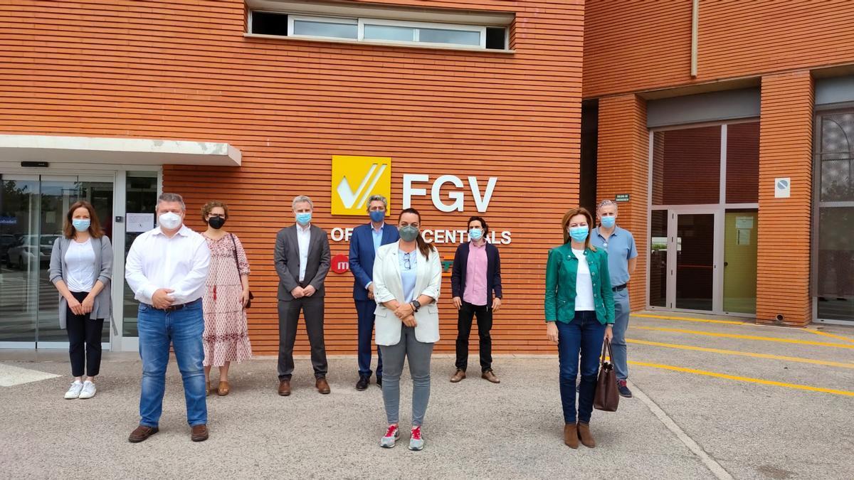 Asistentes a la reunión en la sede de FGV