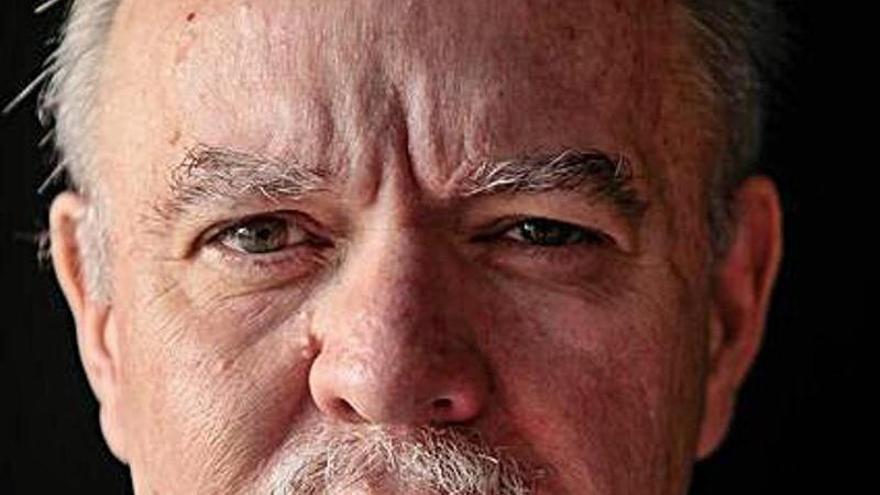 """Jorge Fernández Díaz publica el thriller político """"La traición"""""""