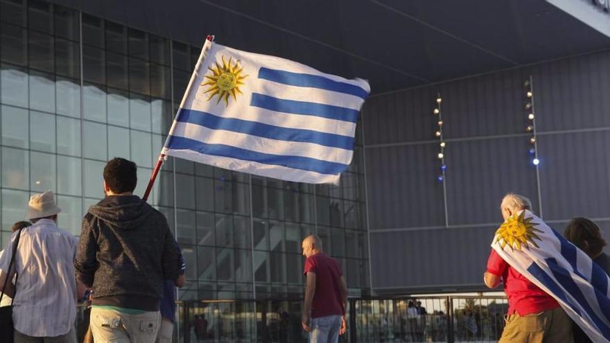 El Gobierno uruguayo limitará el derecho de reunión 60 días por la covid-19