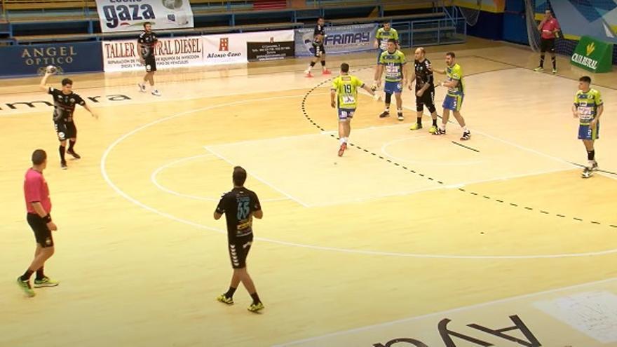 El Iberoquinoa Antequera logra la victoria en un sufrido encuentro en Zamora