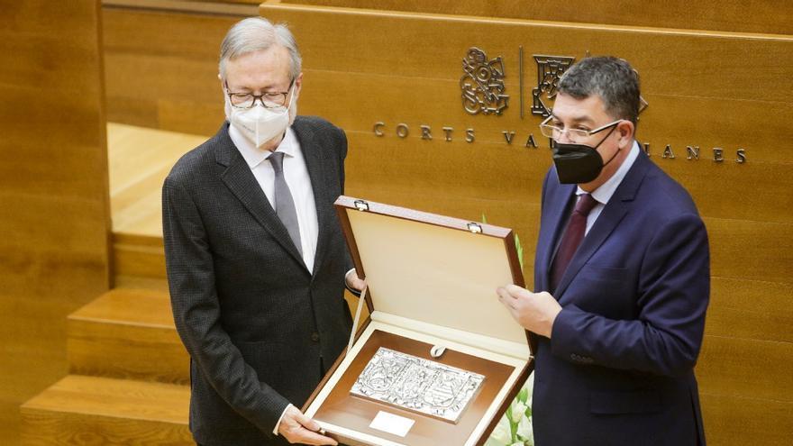 Les Corts condenan el fascismo en el Día Institucional del parlamento valenciano