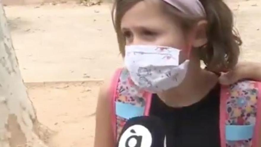 """Esta niña triunfa en redes por su opinión sobre la mascarilla: """"Es mejor que morir"""""""