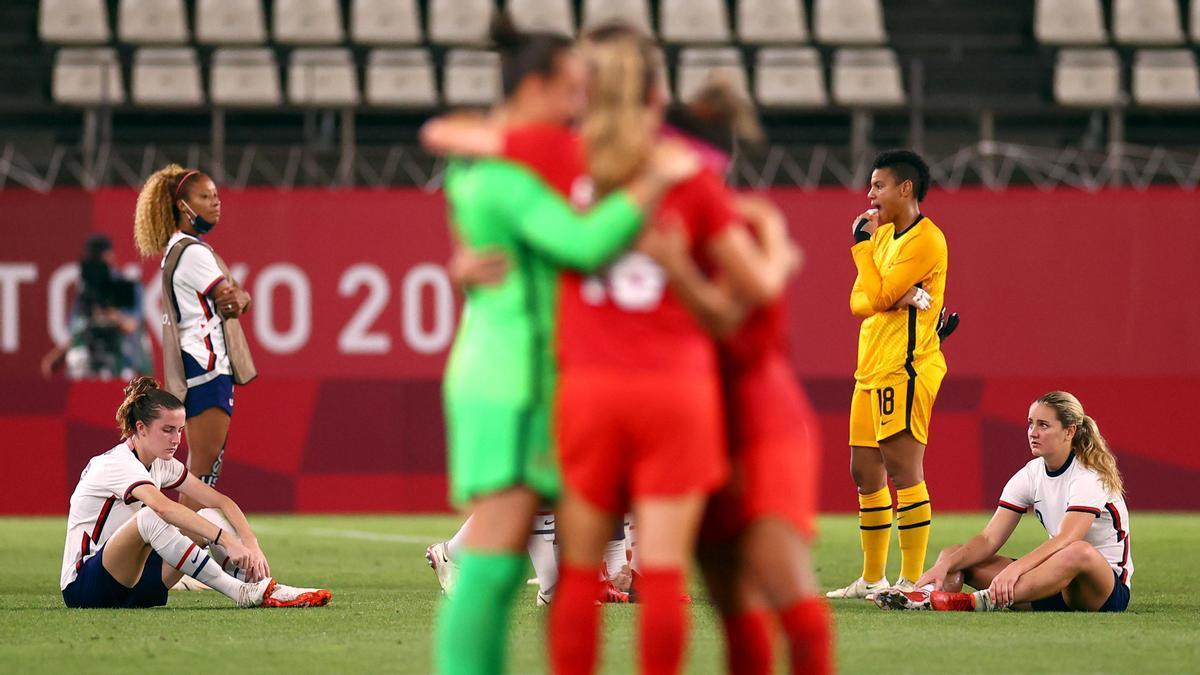Las jugadoras de Canadá celebran su pase a la final de los Juegos Olímpicos.
