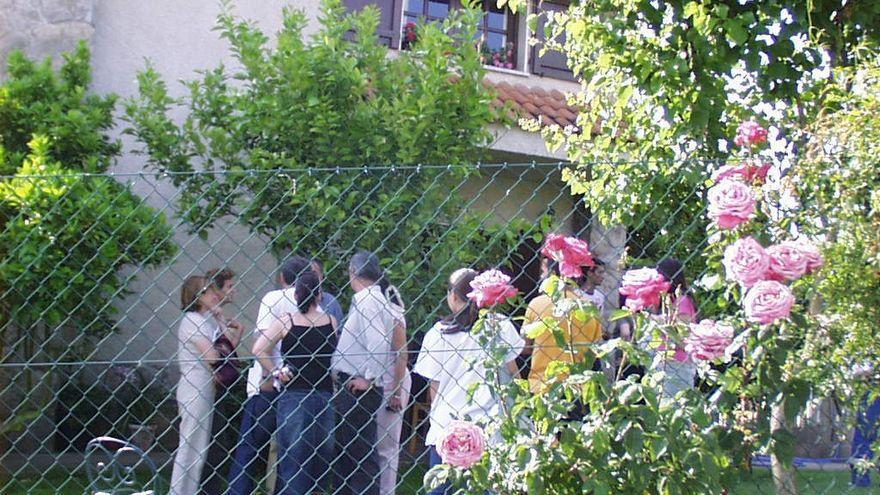 La Policía inspecciona un vehículo por el triple crimen de una familia ourensana en Burgos en 2004