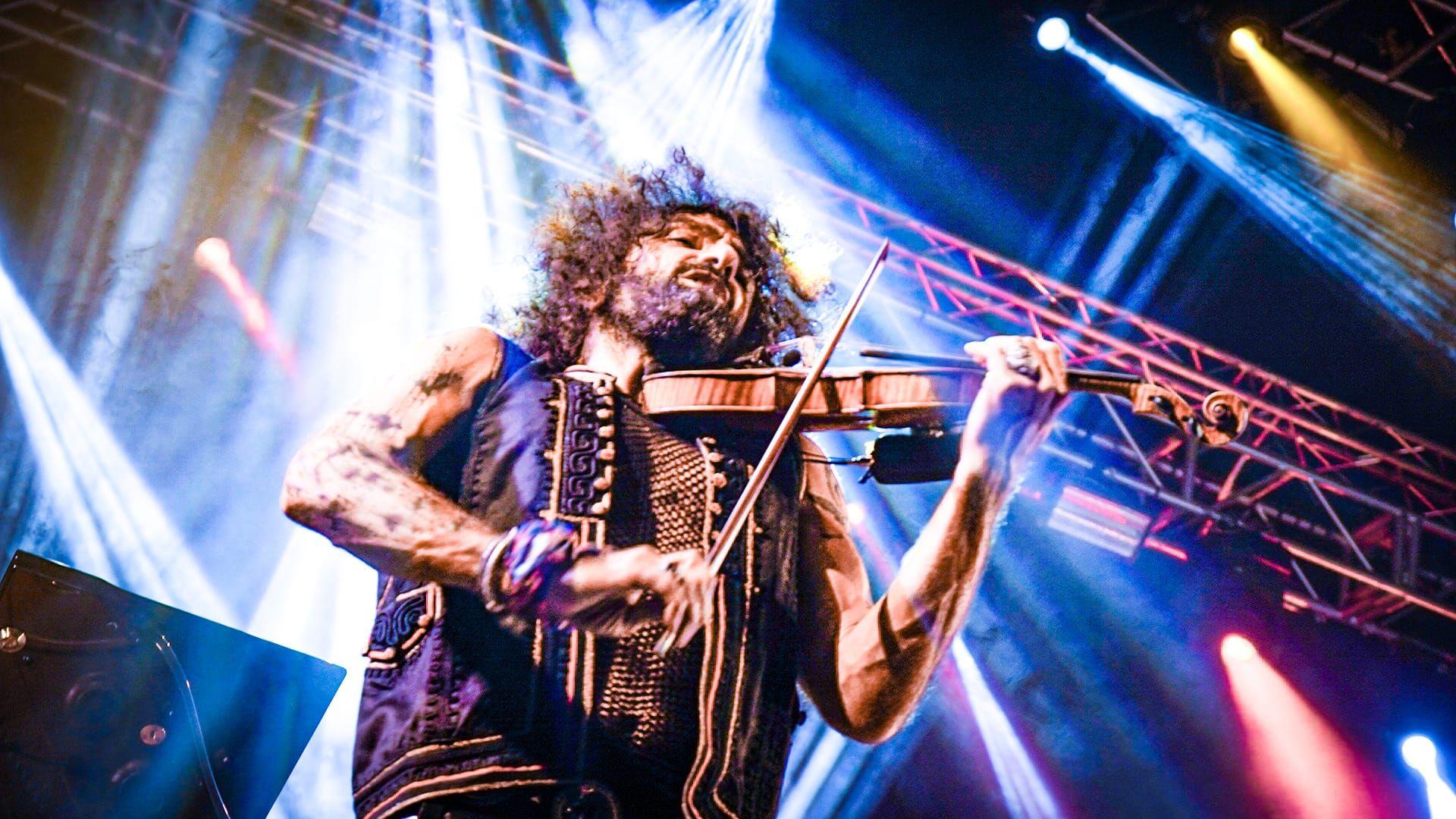 Ara Malikian conquista con su vertiginoso ritmo de violín el Peñíscola From Stage