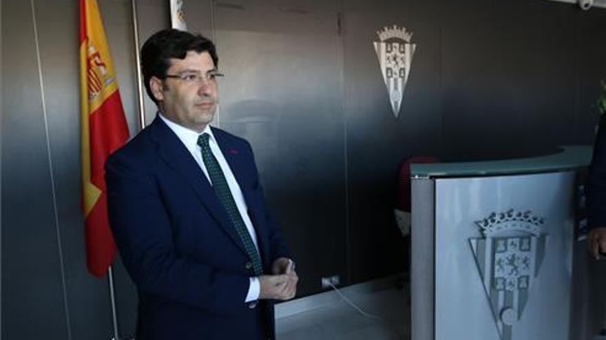 El Córdoba presentará en la junta un déficit de 5,3 millones de euros