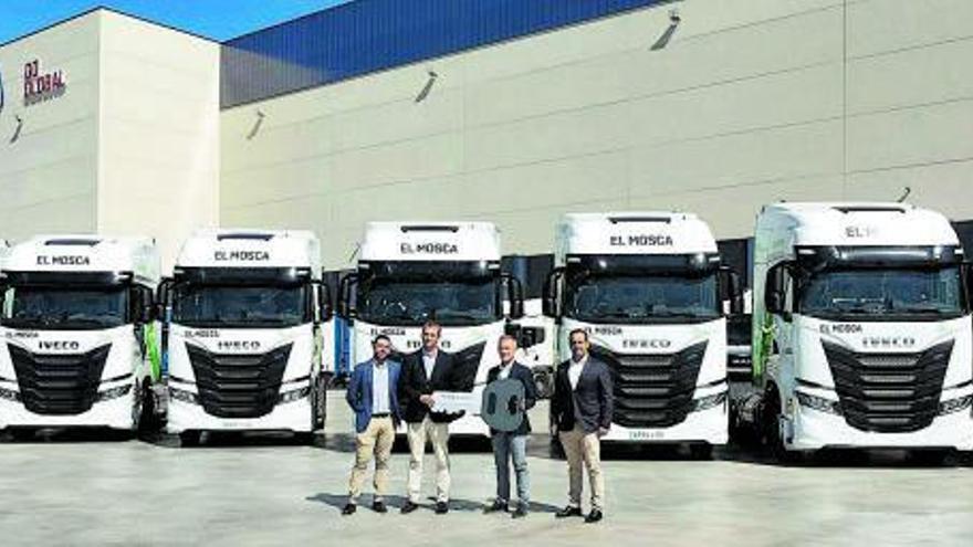 Transportes El Mosca renueva su flota con vehículos propulsados por GNL de IVECO