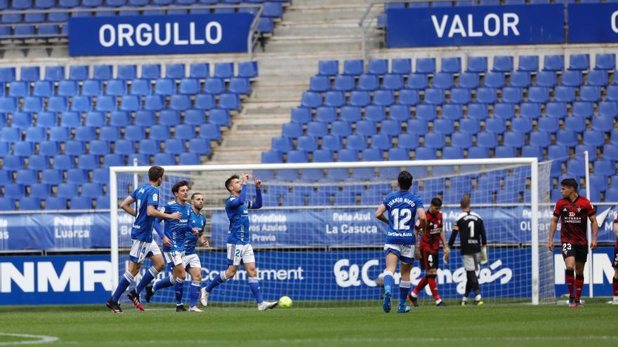 Real Oviedo y Mirandés empatan (1-1) en un partido marcado por el recuerdo a Arnau